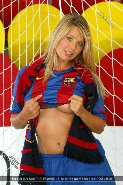 https://i2.wp.com/images2.fanpop.com/images/photos/3500000/barcelona-girl-fc-barcelona-3529095-426-640.jpg