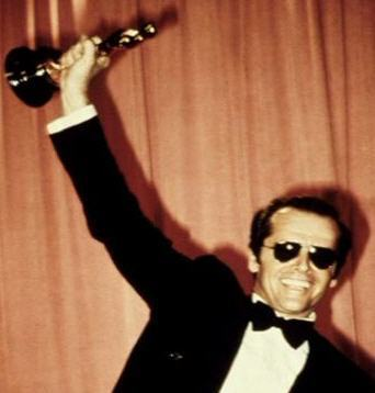 https://i2.wp.com/images2.fanpop.com/images/photos/4800000/Jack-with-an-Oscar-mr-jack-nicholson-4839611-342-358.jpg