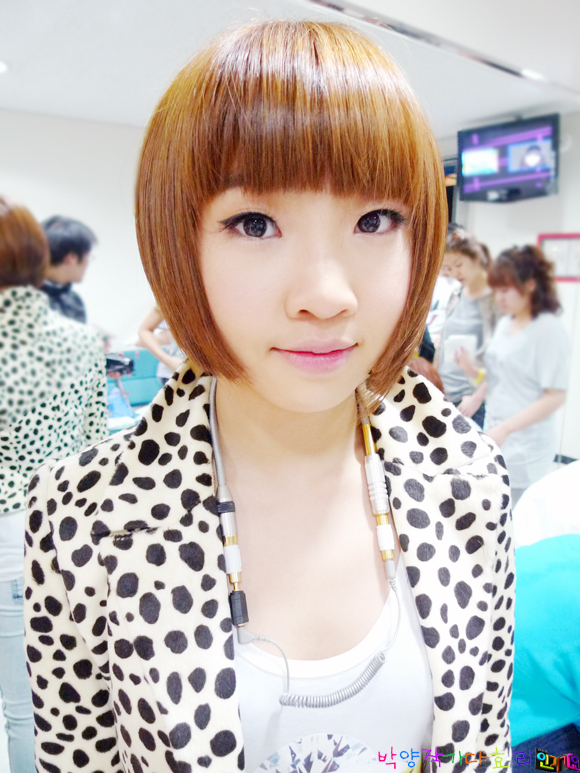 https://i2.wp.com/images2.fanpop.com/images/photos/7200000/cuTe-Minzy-2ne1-7230449-580-773.jpg