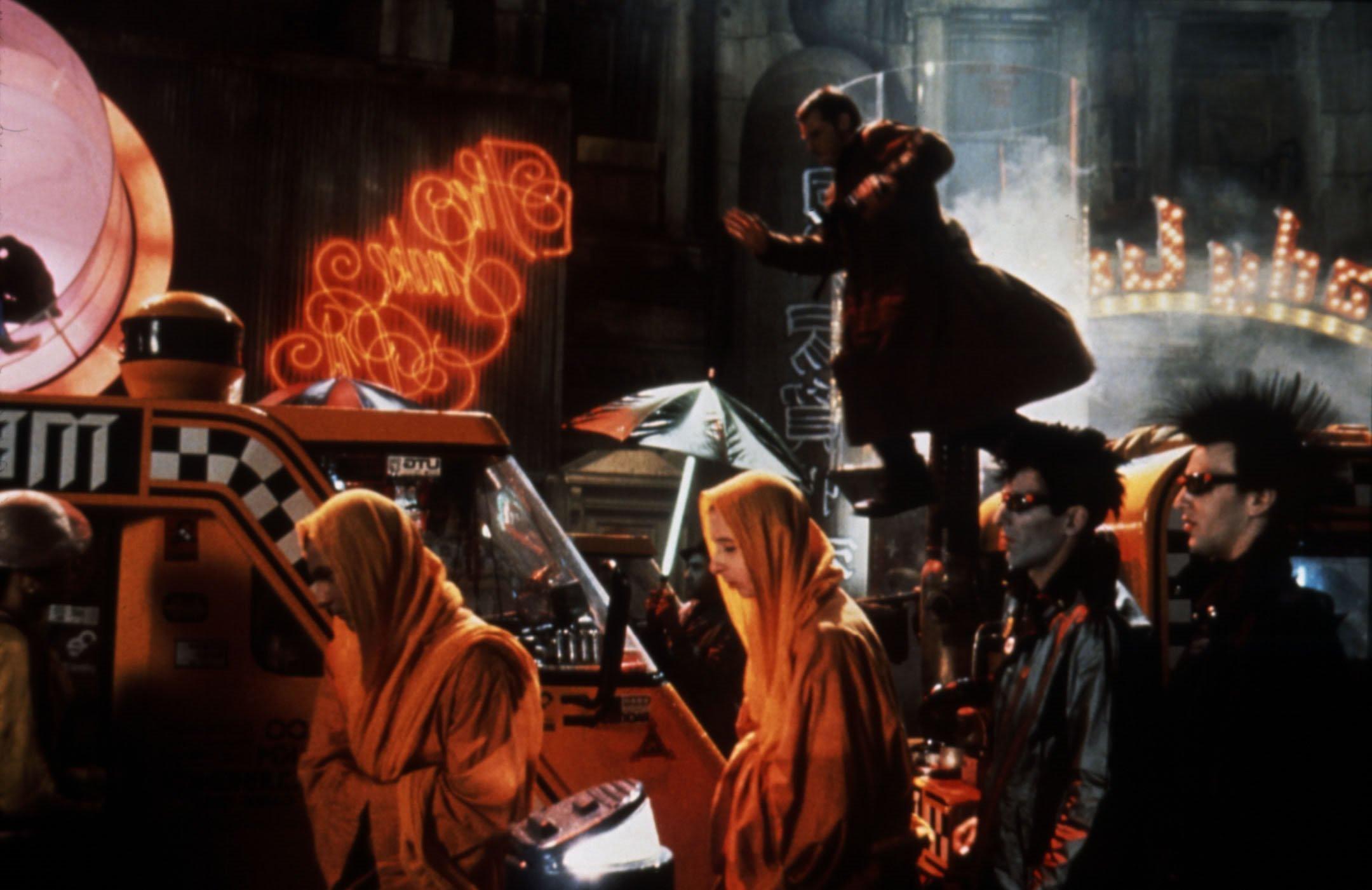https://i2.wp.com/images2.fanpop.com/images/photos/8200000/Harrison-Ford-as-Deckard-in-Bladerunner-blade-runner-8243054-2160-1401.jpg