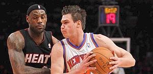 Un duello fra Danilo Gallinari e LeBron James. Ap