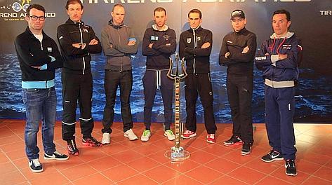 Alcuni dei big alla Tirreno: in mezzo si riconoscono Nibali e Contador. Bettini