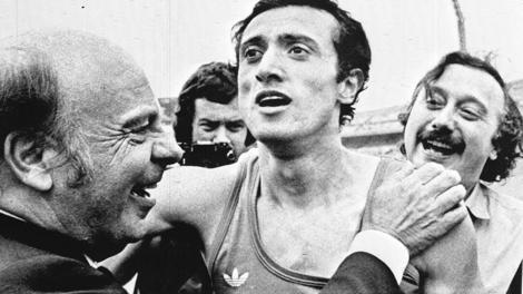 Pietro Mennea con Primo Nebiolo e Gianni Minà dopo il record mondiale dei 200 metri (19