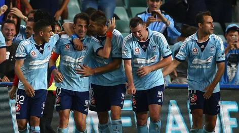 Il Sydney festeggia il gol di Alessandro Del Piero.