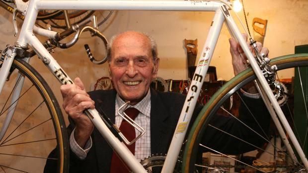 Alfredo Martini a Sesto Fiorentino in una foto del 2005. Bettini