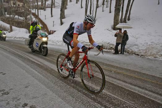 Sul traguardo è arrivato secondo l'olandese della Trek, Bauke Mollema a 41''. Bettini