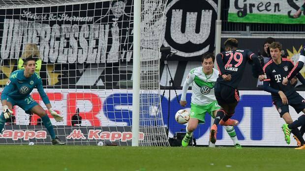 Coman segna il gol del vantaggio a Wolfsburg. Afp