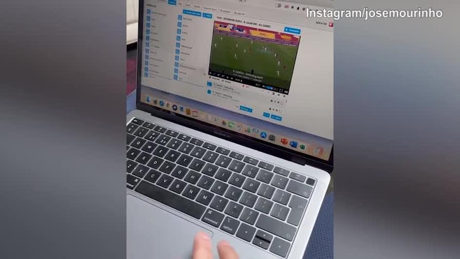Il futuro allenatore giallorosso José Mourinho non perde tempo e inizia subito a studiare la Roma