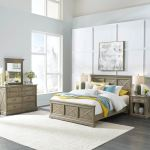 Homestyles Mountain Lodge Gray Queen Bed Nightstand Dresser Mirror 5525