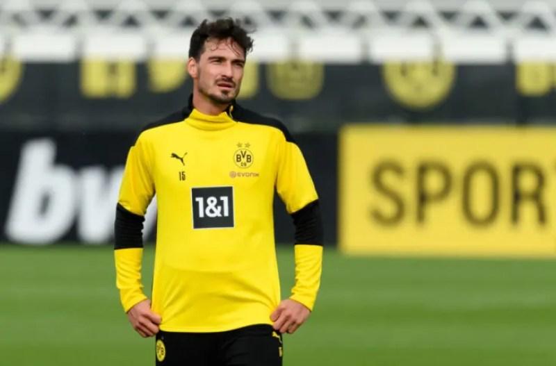 Michael Zorc backs 'top defender' Mats Hummels for Germany return
