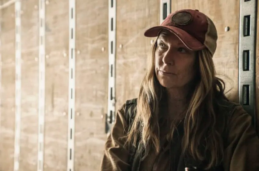 Fear The Walking Dead Elevates Two Regulars Adds New Cast Member