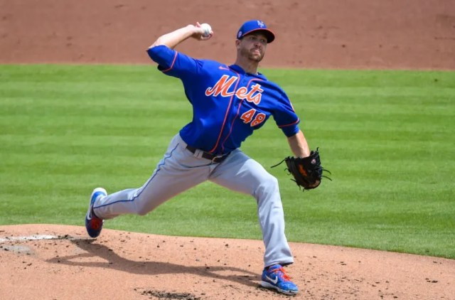 WEST PALM BEACH, FL - MARCH 21: Jacob deGrom #48 of the New York Mets throws a pitch during a spring training game against the Washington Nationals at The Ballpark of The Palm Beaches on March 21, 2021 in West Palm Beach, Florida. (Photo by Eric Espada/Getty Images)