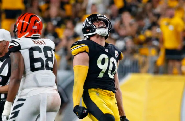 PITTSBURGH, PA - SEPTEMBER 30: T.J. Watt #90 of the Pittsburgh Steelers celebrates after sacking Andy Dalton #14 of the Cincinnati Bengals in the third quarter on September 30, 2019 at Heinz Field in Pittsburgh, Pennsylvania. (Photo by Justin K. Aller/Getty Images)