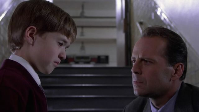 15 Twisted Facts About The Sixth Sense | Mental Floss