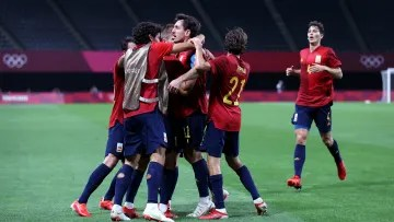 Spain qualify for the quarterfinals