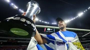 Ignacio Rivero champion with Cruz Azul
