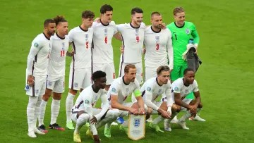 England team is running to win Euro 2020