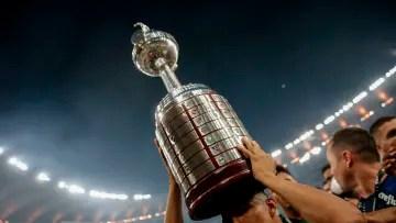 FBL-LIBERTADORES-PALMEIRAS-SANTOS - Who will lift the Copa Libertadores?