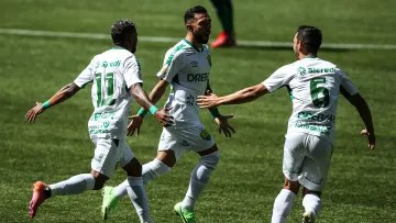With Clayson flying and Walter saving, Cuiabá surprised Palmeiras in the 17th round of the Brazilian Championship.