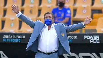 Coach Miguel Herrera.