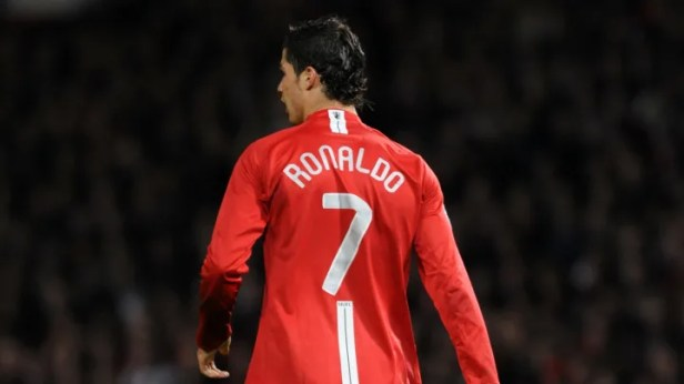 Man Utd want Ronaldo to reclaim the number seven jersey