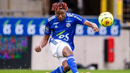 Il Milan pesca il Ligue1: da Simakan e Koné, a che punto sono le due trattative
