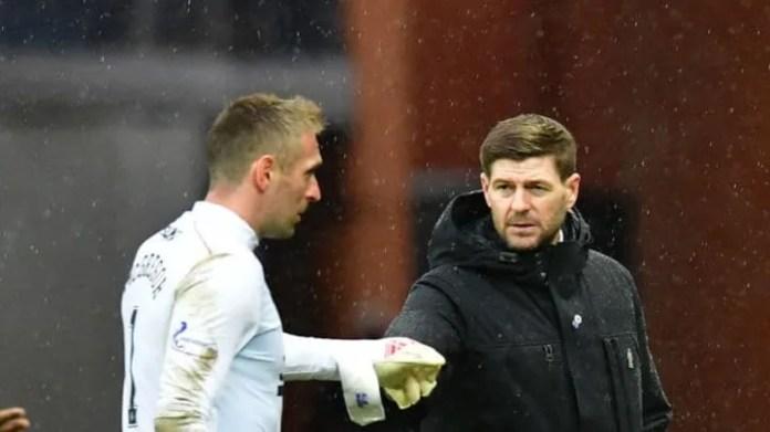 Steven Gerrard, Allan McGregor