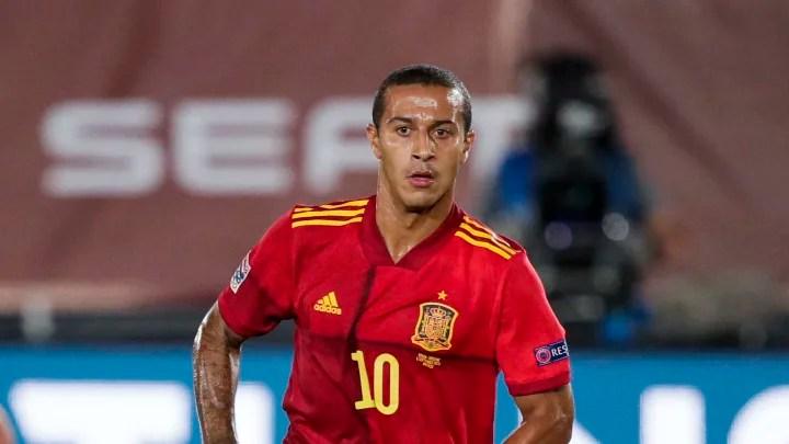 Jamie Carragher Slams 'Disrespectful' Cries for Liverpool to Sign Thiago Alcantara
