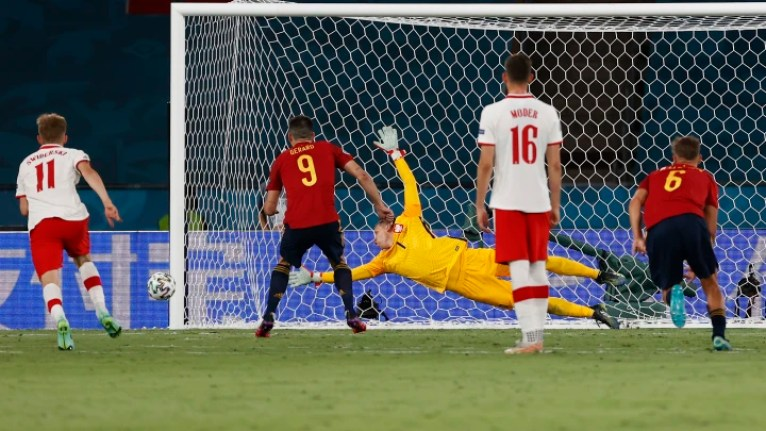 Spain 1-1 Poland: Player ratings