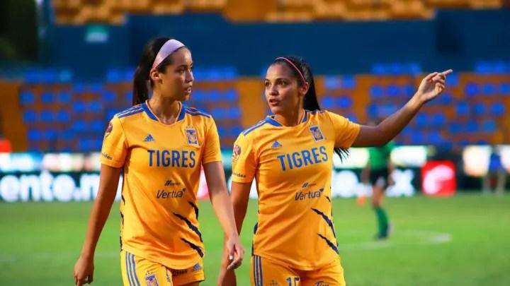 Liliana Mercado, Cristina Ferral