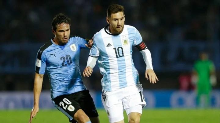 Lionel Messi, Alvaro Gonzalez