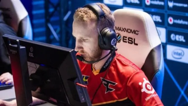 Olofmeister stepped down from FaZe Clan's CS:GO lineup on Saturday.