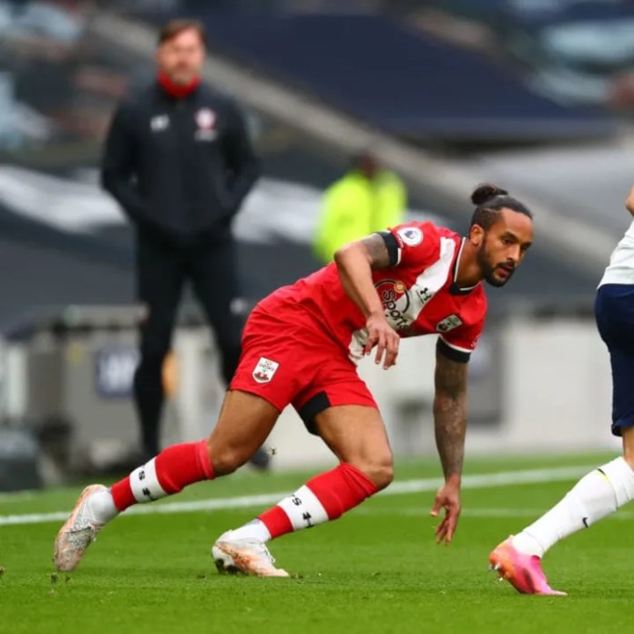 Theo Walcott loses his balance