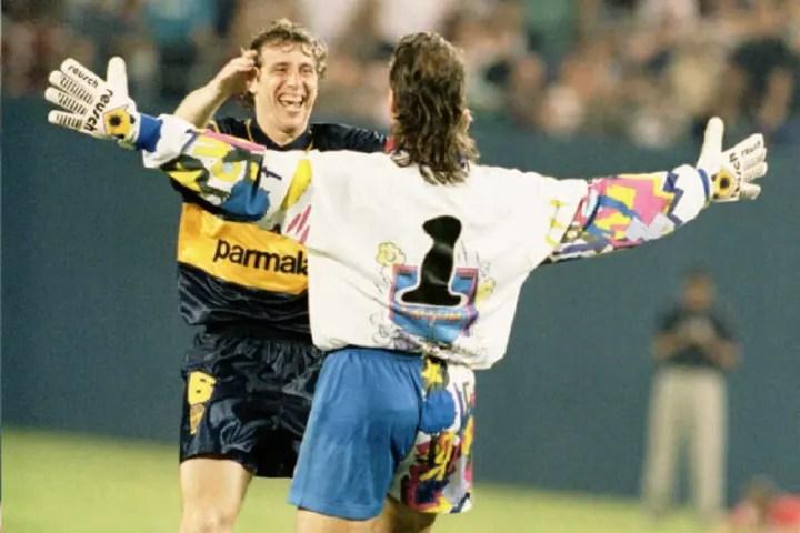 Boca Juniors (Argentina) goalie Carlos Navarro Mon