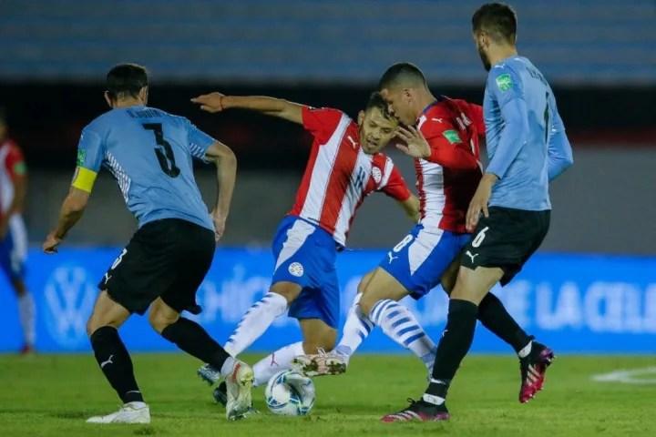 FBL-WC-2022-SAMERICA-QUALIFIERS-URU-PAR