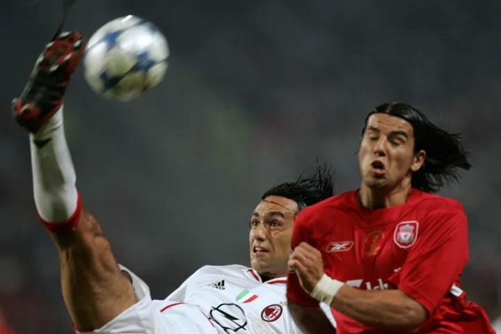 Liverpool's Czech striker Milan Baros (R