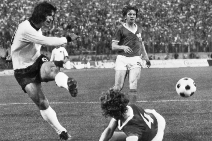 WORLD CUP-1974-WEST GERMANY-EAST GERMANY