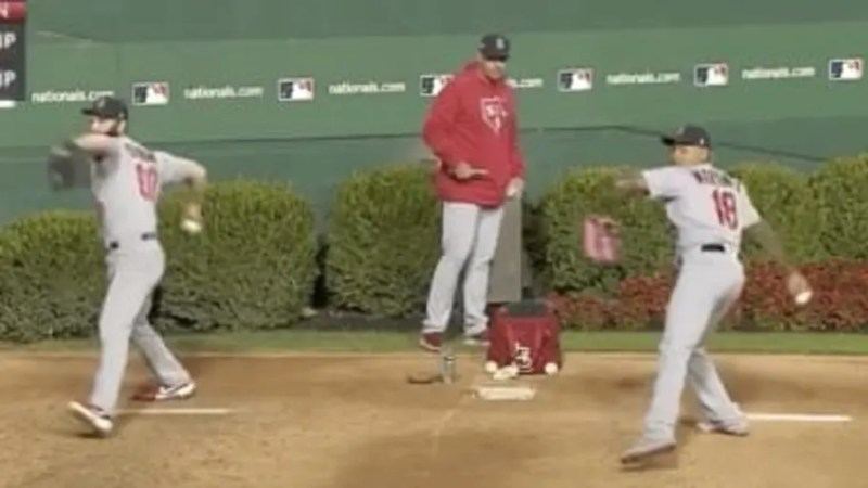 VIDEO: Cardinals Relievers Perfectly Synced up in Bullpen is Bizarre and Beautiful