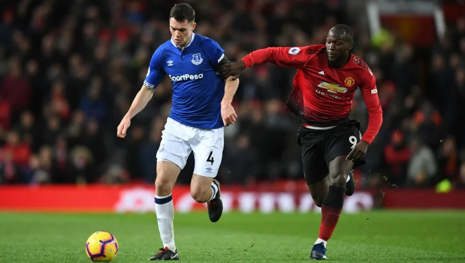Manchester United meet Everton with top four on the line