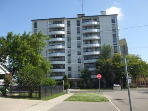 2 Bedroom Apartment For In Hamilton
