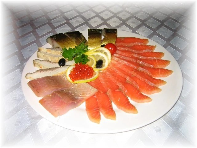 Enjoy the traditional smoked fish with the touch of modern for Smoking fish electric smoker