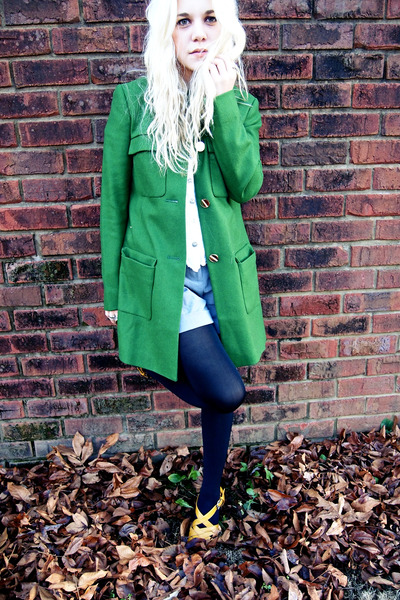 Chartreuse-asos-coat-silver-urban-outfitters-shorts-white-thrifted-top_400