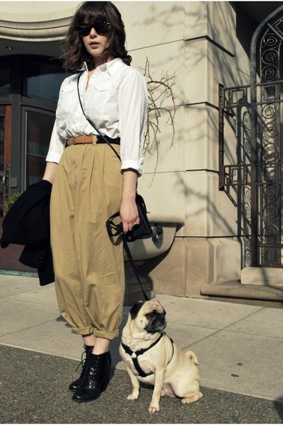 Vintage-blazer-white-vintage-shirt-beige-vintage-pants-black-seychelles-sh_400