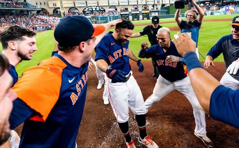El home run de José Altuve evitó que los Astros fueran barridos por los Yankees. (@Astros)