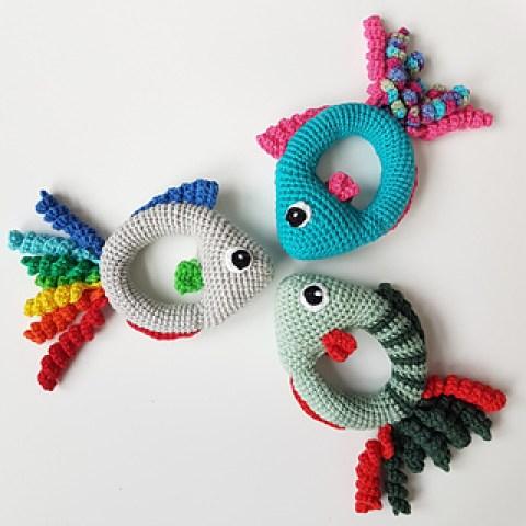 Fish rattle tutorial on Ravelry