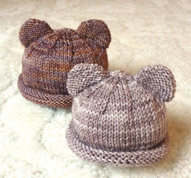 Itty Bitty Bear Cubs, Free Preemie Hats Knitting Patterns: Round up post containing a list of various Free Preemie Hats Knitting Patterns. Some with video tutorials.