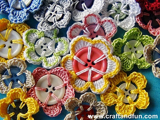 Button flowers free crochet pattern