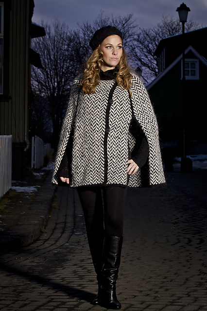 http://www.ravelry.com/patterns/library/reykjavik---cape