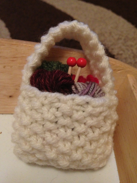 Knitter's tree decoration