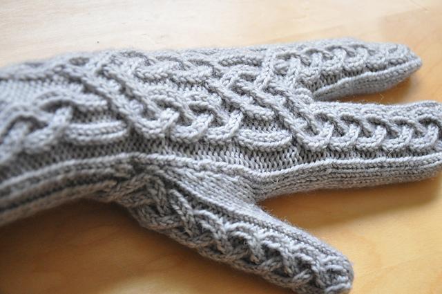glitten fäustline handschuhe stricken aus drachenwolle